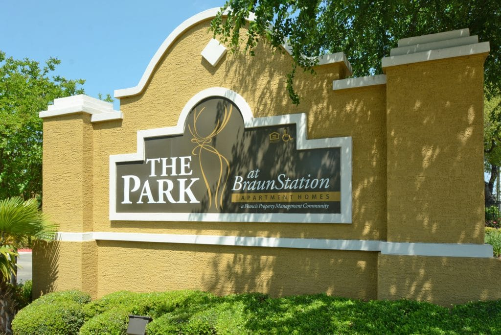 apartment available THE PARK AT BRAUN STATION APARTMENTS IN NORTHWEST SAN ANTONIO